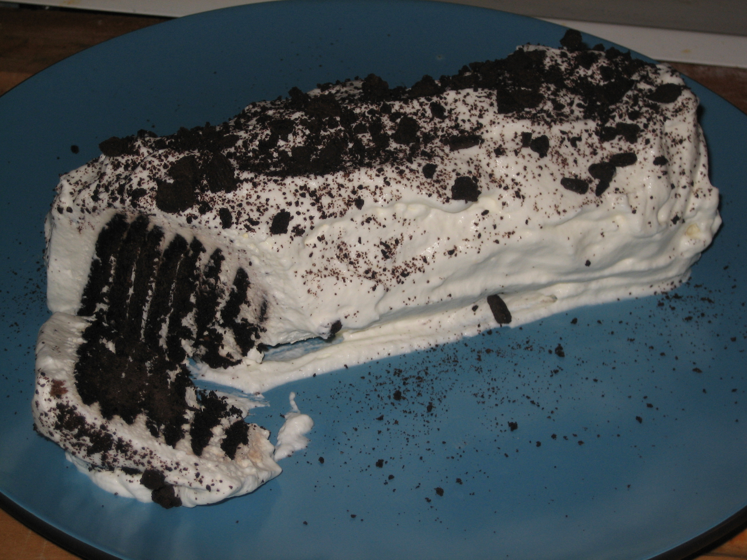 http://maneatfood.files.wordpress.com/2008/09/icebox-cake-cut.jpg